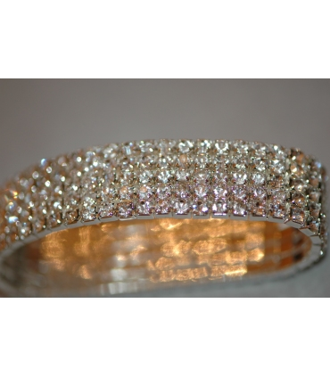 Crystal fashion bracelet