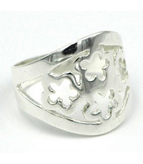 Sterling Silver ring with openwork flowers design