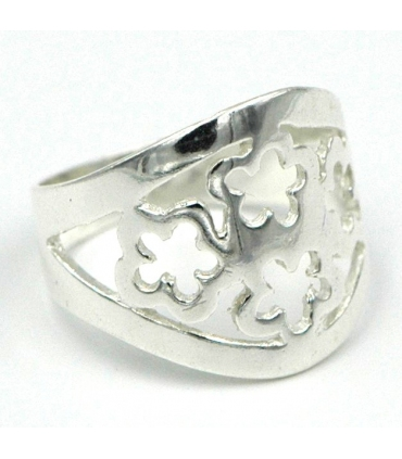 Silver ring with openwork flowers
