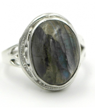 Silver ring with labradorite stone