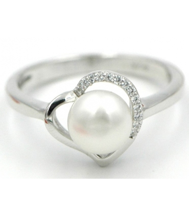Silver heart ring with cultured pearl