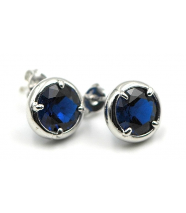 White Gold earrings with blue stone