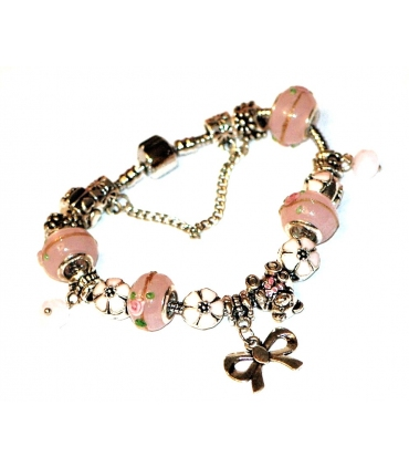 Charm styled bracelet in pink